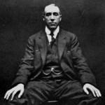 عکس هری پرایس که توسط ویلیام هوپ گرفته شده است،1922