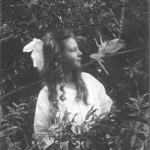 عکس سوم، فرانسیس و پری جهنده، گرفته شده در 1920